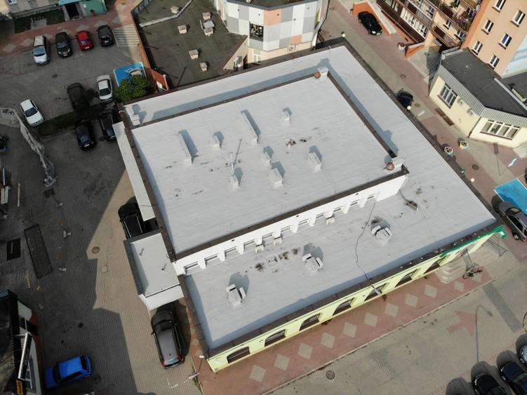 Dach Banku Spółdzielczego w Suwałkach po renowacji w systemie Hyperdesmo