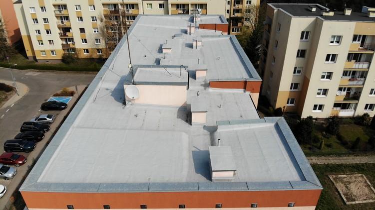 Dach z papy po renowacji w systemie płynnych membran poliuretanowych Hyperdesmo