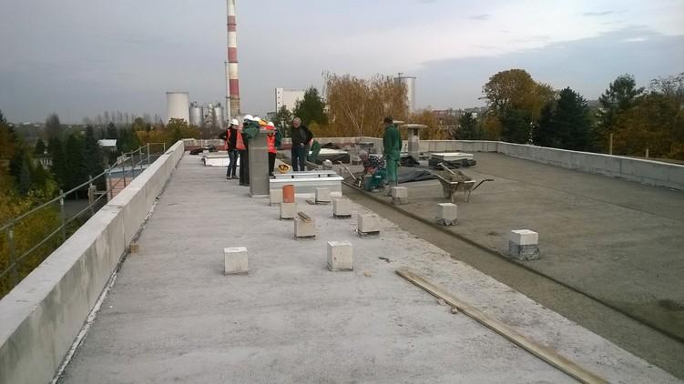 Dach płaski przed przystąpieniem do prac hydroizolacyjnych