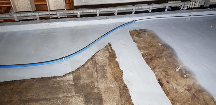 Uszczelnienie dylatacji i aplikacja membrany na posadzce betonowej