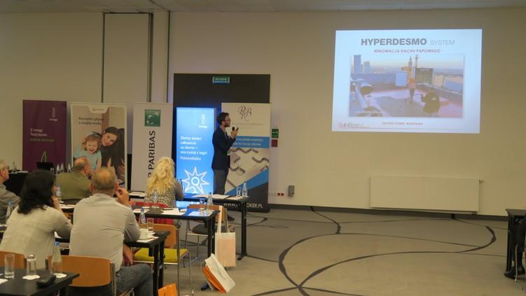 Podczas prezentacji systemu naprawy dachu Alchimica Hyperdesmo