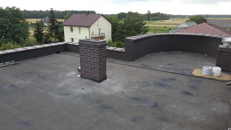 Dach z papy przed wykonaniem aplikacji płynnej membrany Hyperdesmo