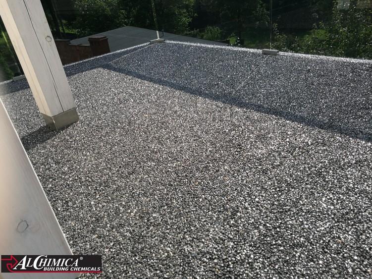 Poliuretanowy System Tarasowy Hyperdesmo Z Kamiennym Dywanem