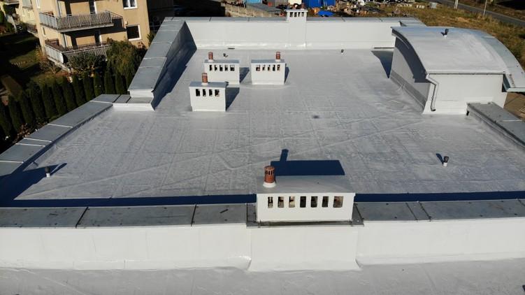 Dach papowy po aplikacji płynnej membrany Hyperdesmo