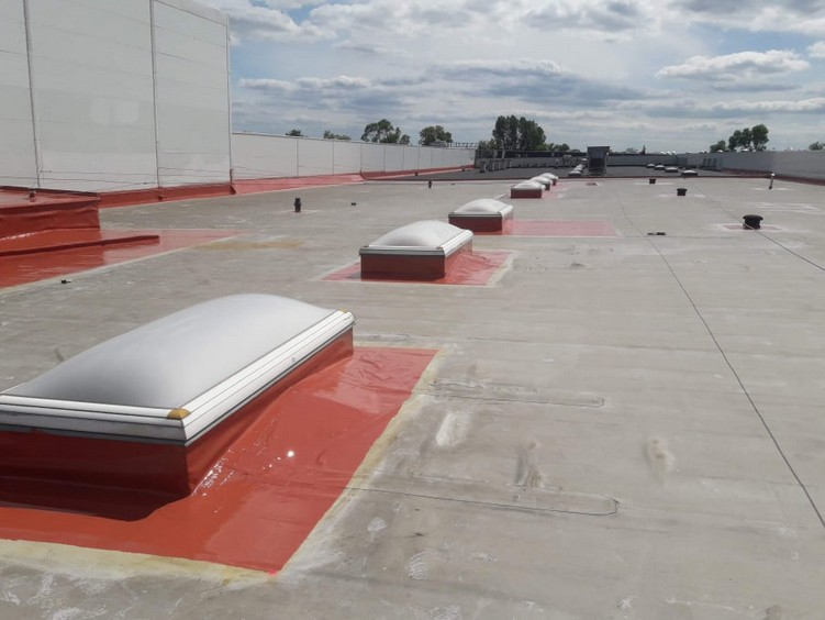Naprawa szczelności dachu z PCV