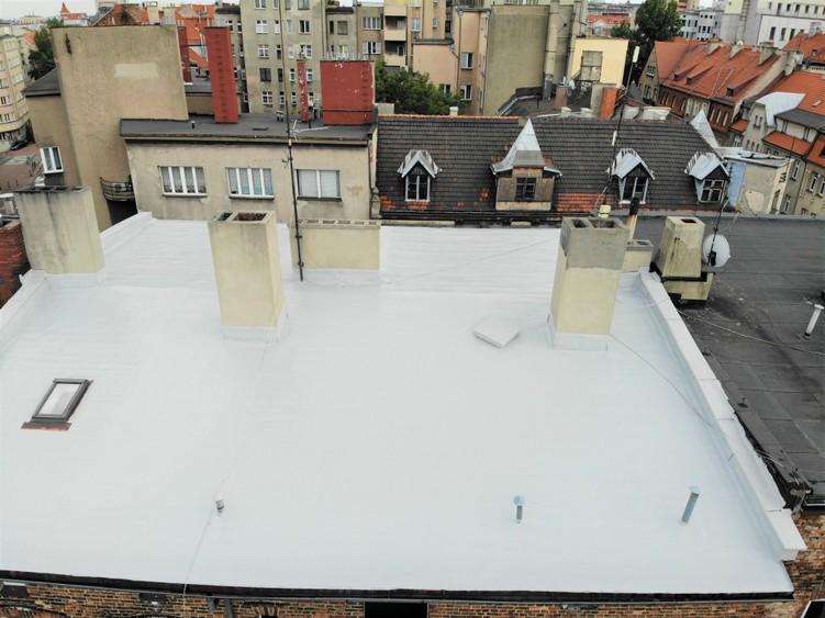 Tak prezentuje się dach po aplikacji płynnej membrany hydroizolacyjnej Hyperdesmo